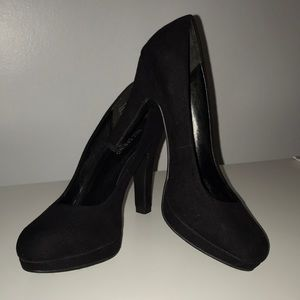 Call it spring Size 7 black shoes